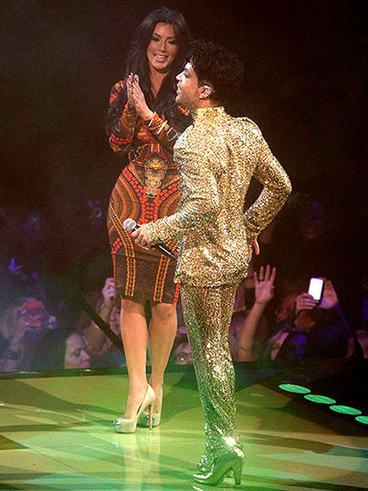 Prince y Kim Kardashian en una imagen del instante