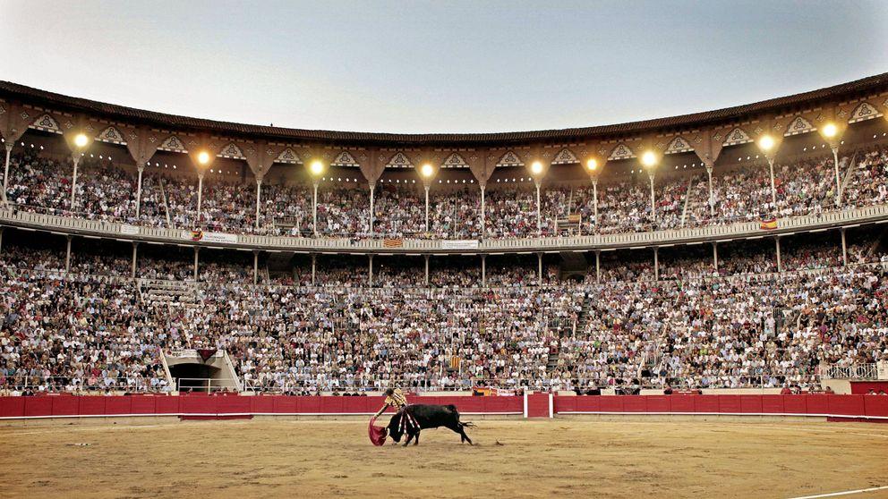 El plan legal de Colau y Puigdemont para evitar las corridas en Cataluña