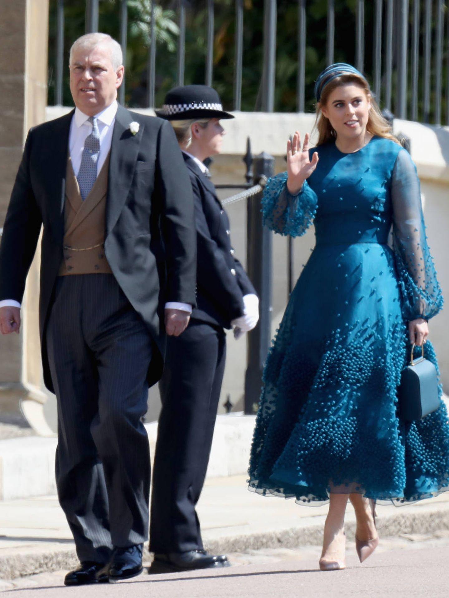 Beatriz de York junto a su padre, el príncipe Andrés. (Getty)