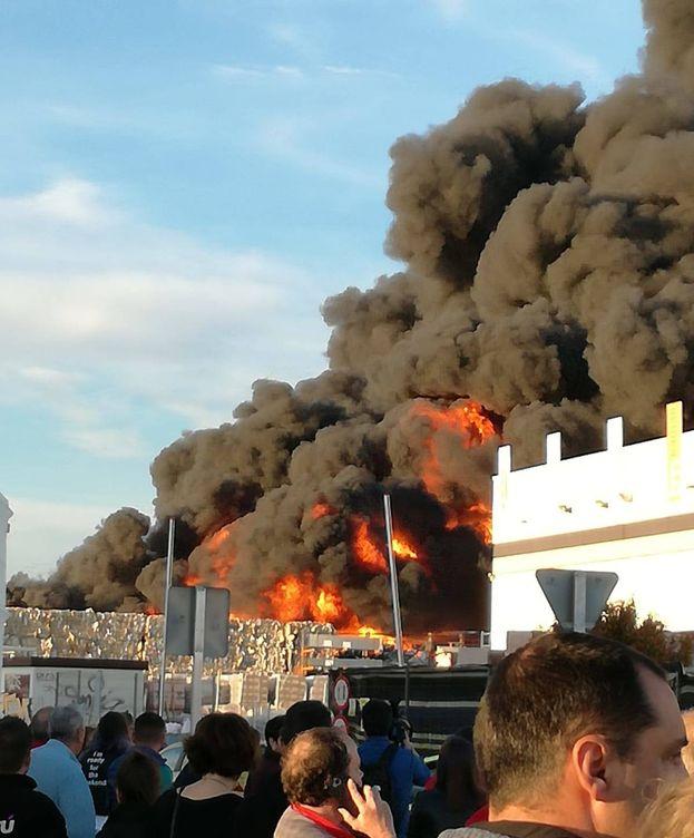 Foto: El incendio desatado en Alcorcón.