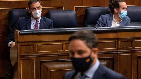 La extraña amistad de Sánchez (social-comunista) y Abascal (extrema derecha)