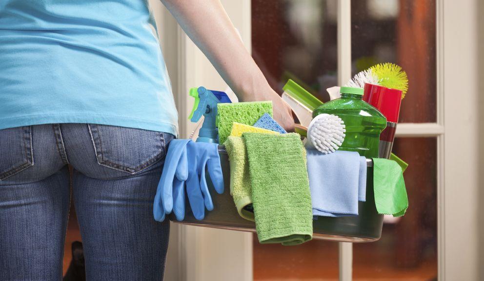 Foto: Aunque parezca fácil, cada rincón de la casa debe limpiarse de una manera. (iStock)