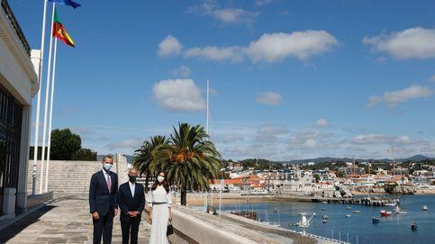 El cariñoso encuentro de Felipe y Letizia con Marcelo Rebelo de Sousa en Portugal