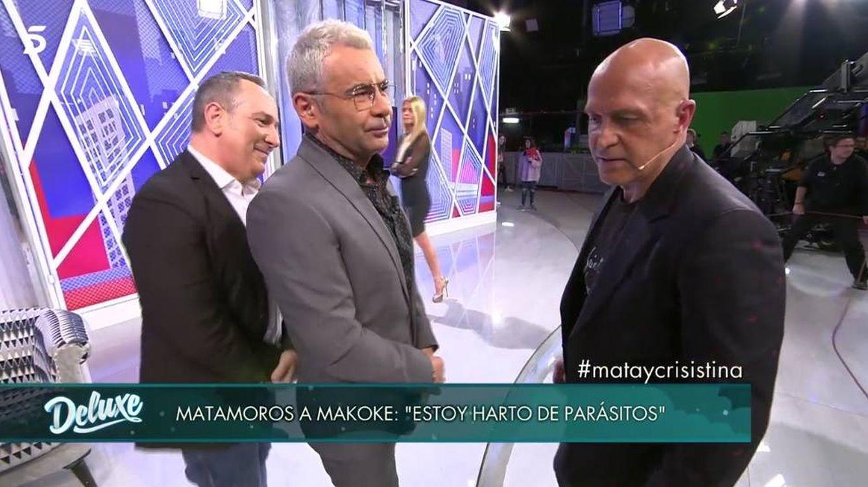 Foto: Jorge Javier separa a Víctor Sandoval y Kiko Matamoros. ('Sábado Deluxe').