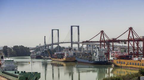El puerto de Sevilla 'atraca' en Sines y Algeciras ante el tirón de Huelva