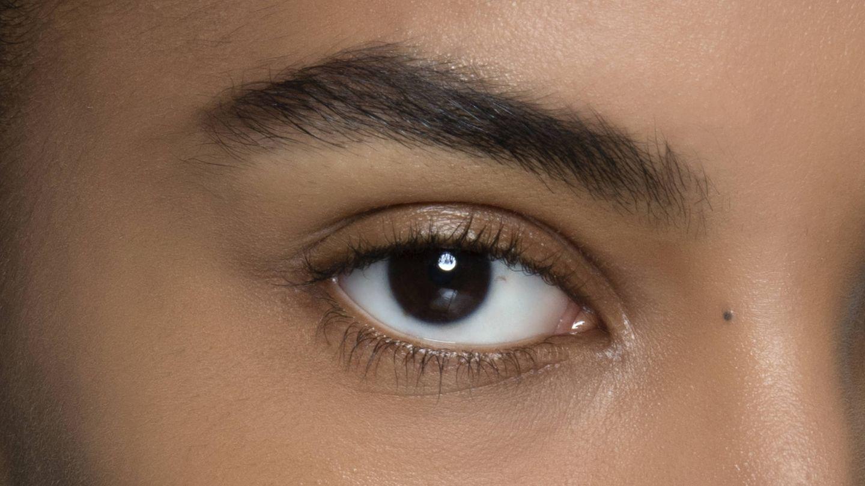 Habitualmente, los hilos tensores se suelen utilizar para levantar la mirada. (Imaxtree)