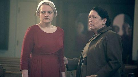 5 motivos por los que leer 'Los testamentos' si eres fan de la serie 'El cuento de la criada'