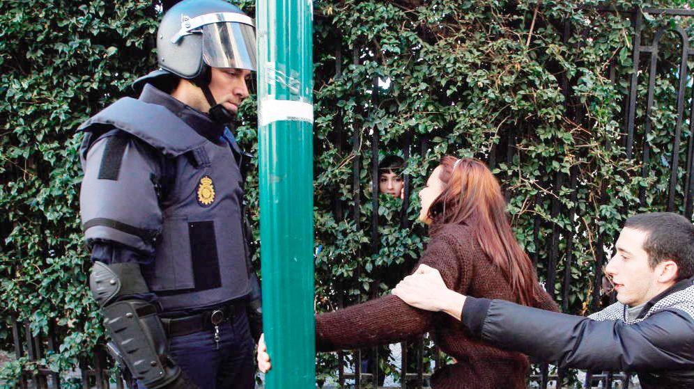 Foto: Intervención policial en Valencia en 2012. (EFE)