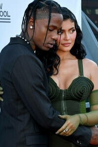 Kylie Jenner confirma su embarazo con un emotivo vídeo en Instagram