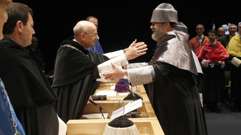 Robert Picard es investido doctor Honoris Causa por la Universidad de Navarra. (Manuel Castells/Universidad de Navarra)
