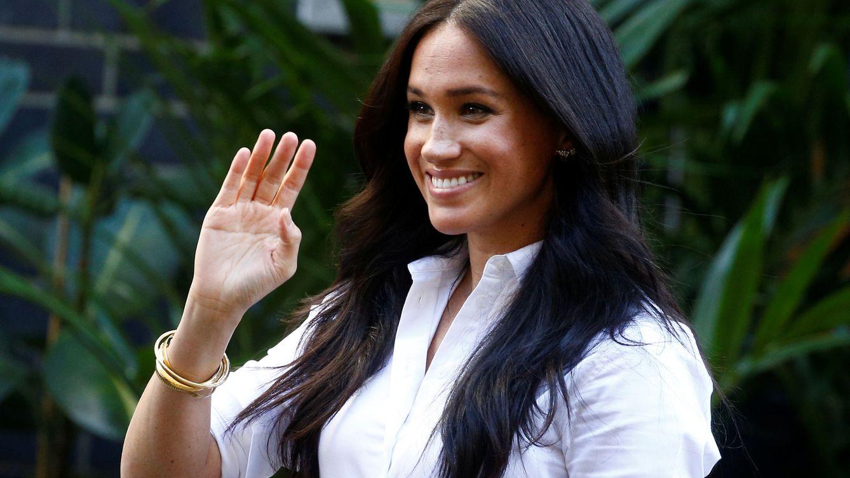 Máxima, Meghan o Carlota Casiraghi: cuando una camisa blanca es la clave de un look elegante