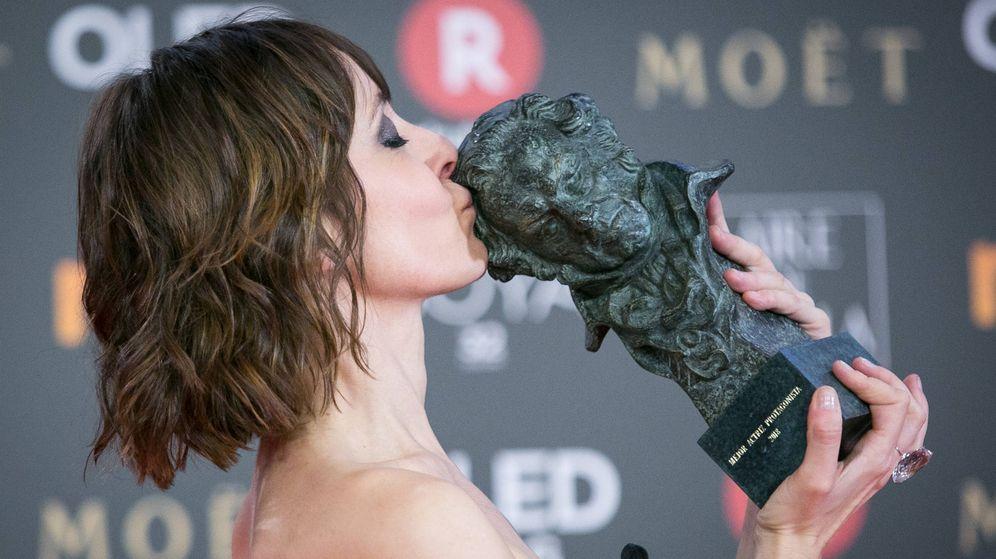Foto: Nathalie Poza y su Goya. (Getty)