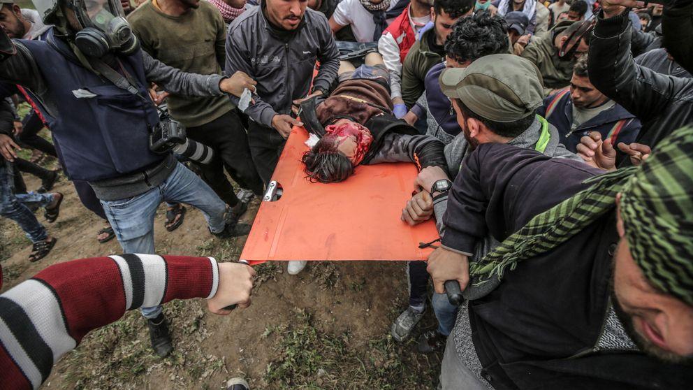 Mueren tres palestinos por disparos israelíes en la multitudinaria protesta en Gaza
