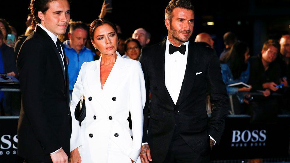 Foto: Brooklyn, Victoria y David Beckham. (Reuters)