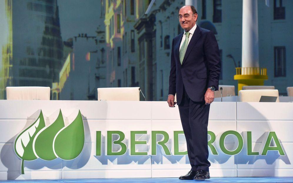 Foto: El presidente de Iberdrola, Ignacio Galán, a su llegada a la junta general de accionistas celebrada en Bilbao. (EFE)