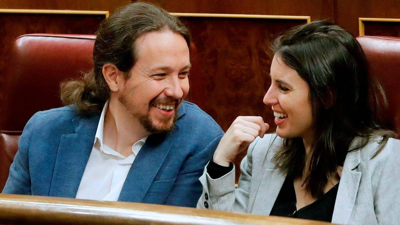 Pablo Iglesias e Irene Montero, en el Congreso. (EFE)