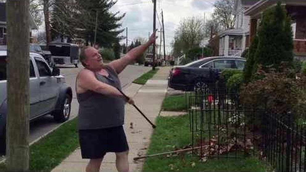 El jardinero 'cheerleader' que sorprende a todos