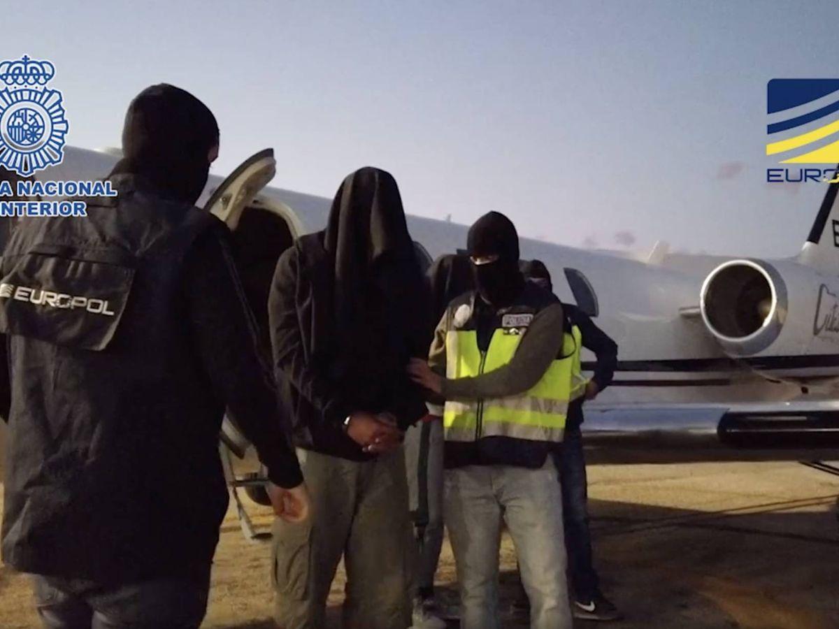 Foto: Detención de los integrantes de la célula. (Policía Nacional / Europol)