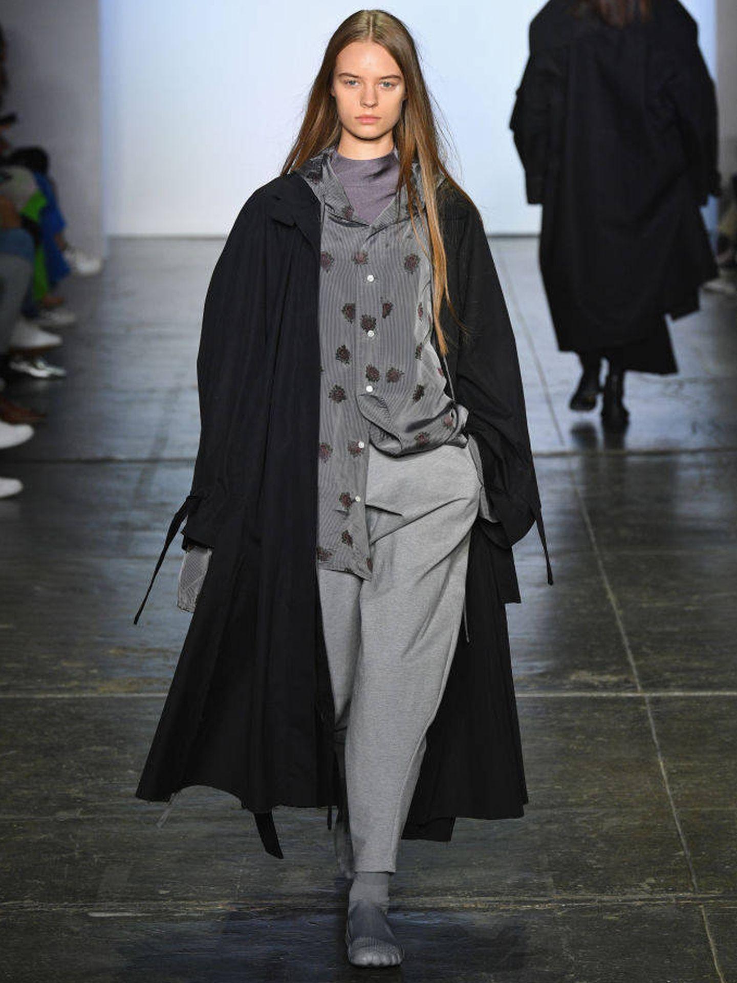 Modelo con prendas 'oversize' en la New York Fashion Week (Slaven Vlasic/Getty Images).