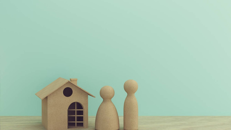 Foto: El euríbor cae en julio y se acerca a niveles pre-covid, pero encarece las hipotecas. (iStock)