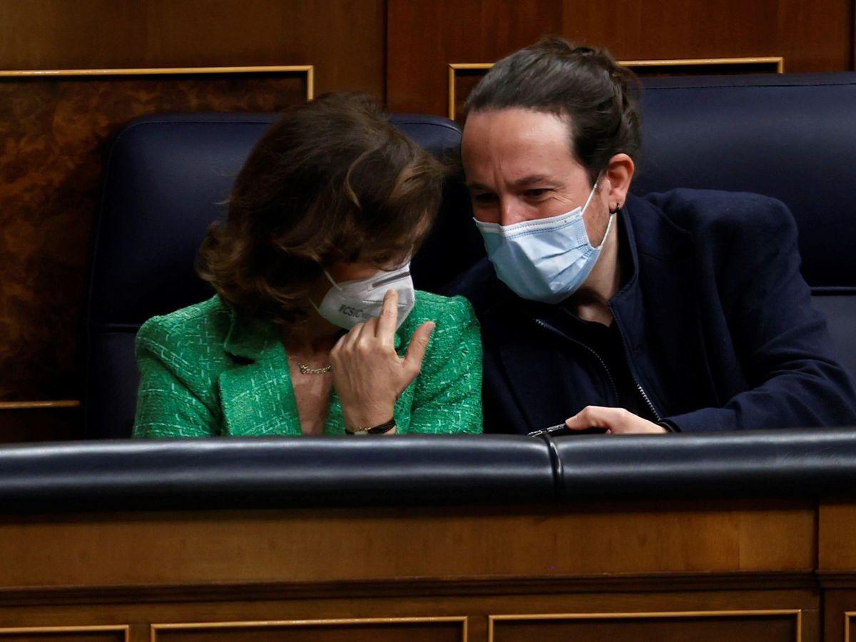 Foto: Los vicepresidentes Carmen Calvo y Pablo Iglesias. (EFE)