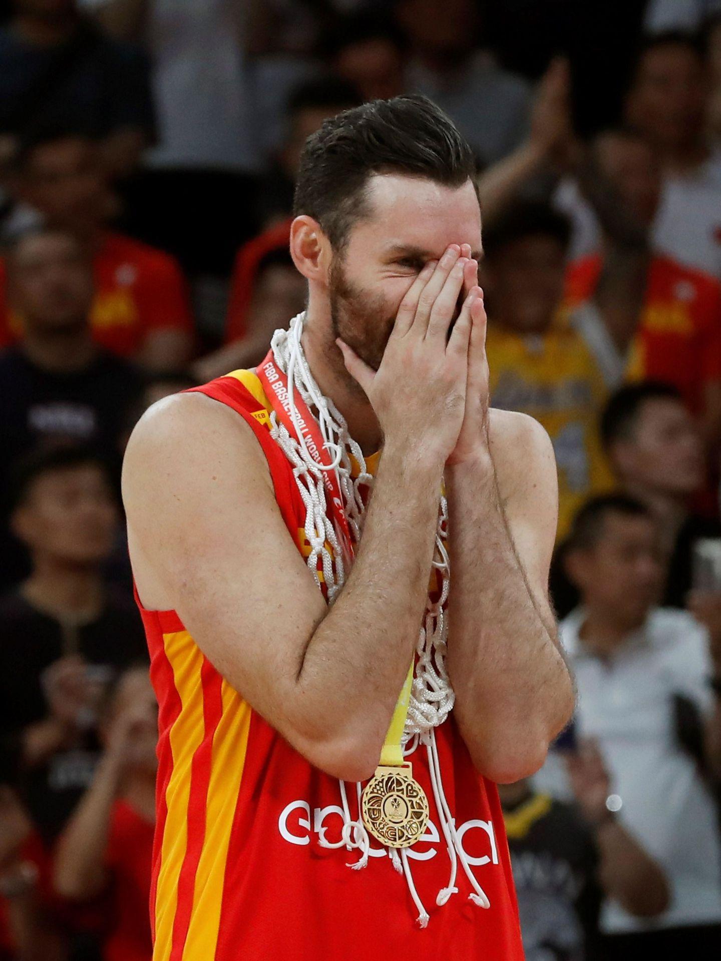 Rudy Fernández llora de la emoción tras la victoria. (EFE)