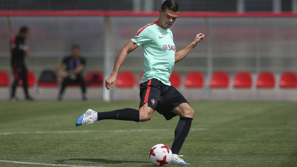 Foto: Pepe, entrenándose con Portugal. (EFE)