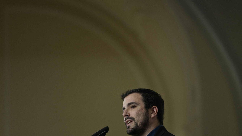 Foto: Alberto Garzón, durante el desayuno informativo de Nueva Economía Fórum, este 30 de noviembre en el hotel Ritz de Madrid. (EFE)