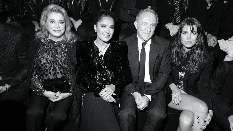 Junto a Catherine Deneuve, Salma Hayek y Pinault. (Saint Laurent)