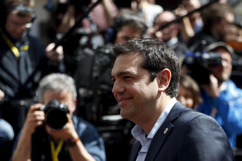 Foto: El primer ministro griego, Alexis Tsipras, a su llegada a la cumbre de líderes europeos celebrada en Bruselas el 23 de abril (Reuters).