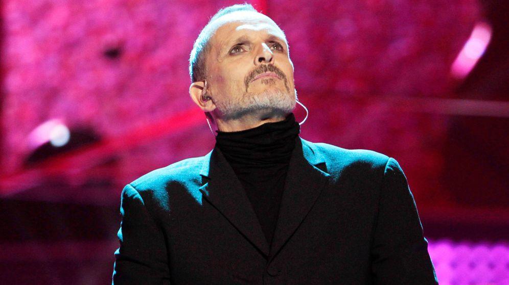 Foto:   Miguel Bosé, en un momento de concierto. (Getty)
