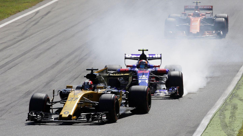 La próxima temporada, Carlos Sainz no perseguirá un Renault, lo pilotará. (Reuters)
