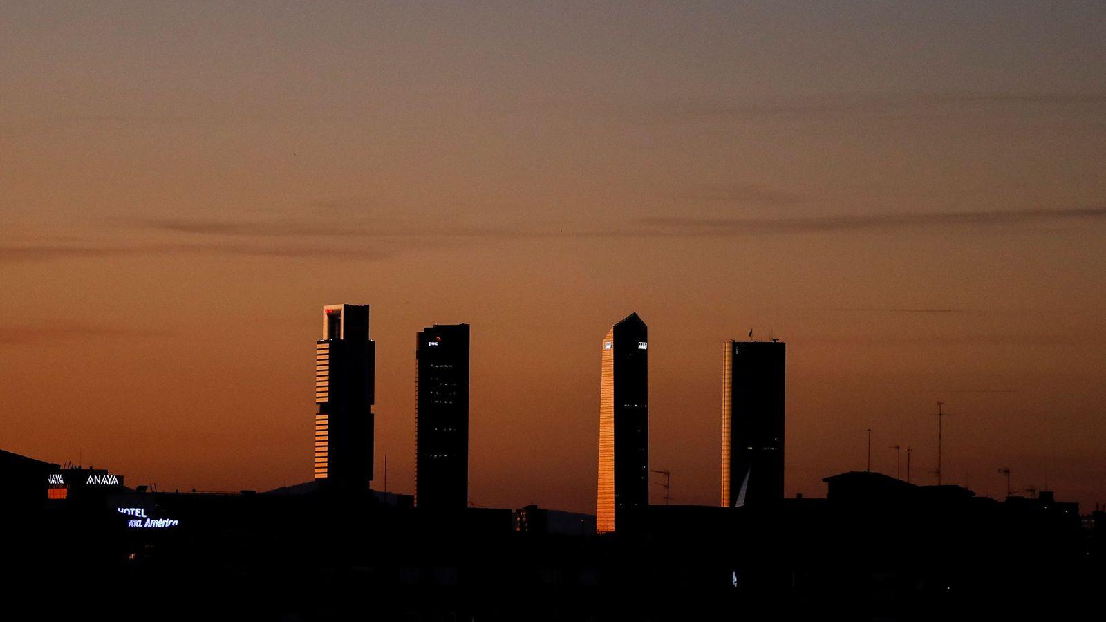 Foto: Vista aérea del distrito de las Cuatro Torres en Madrid. (Reuters)