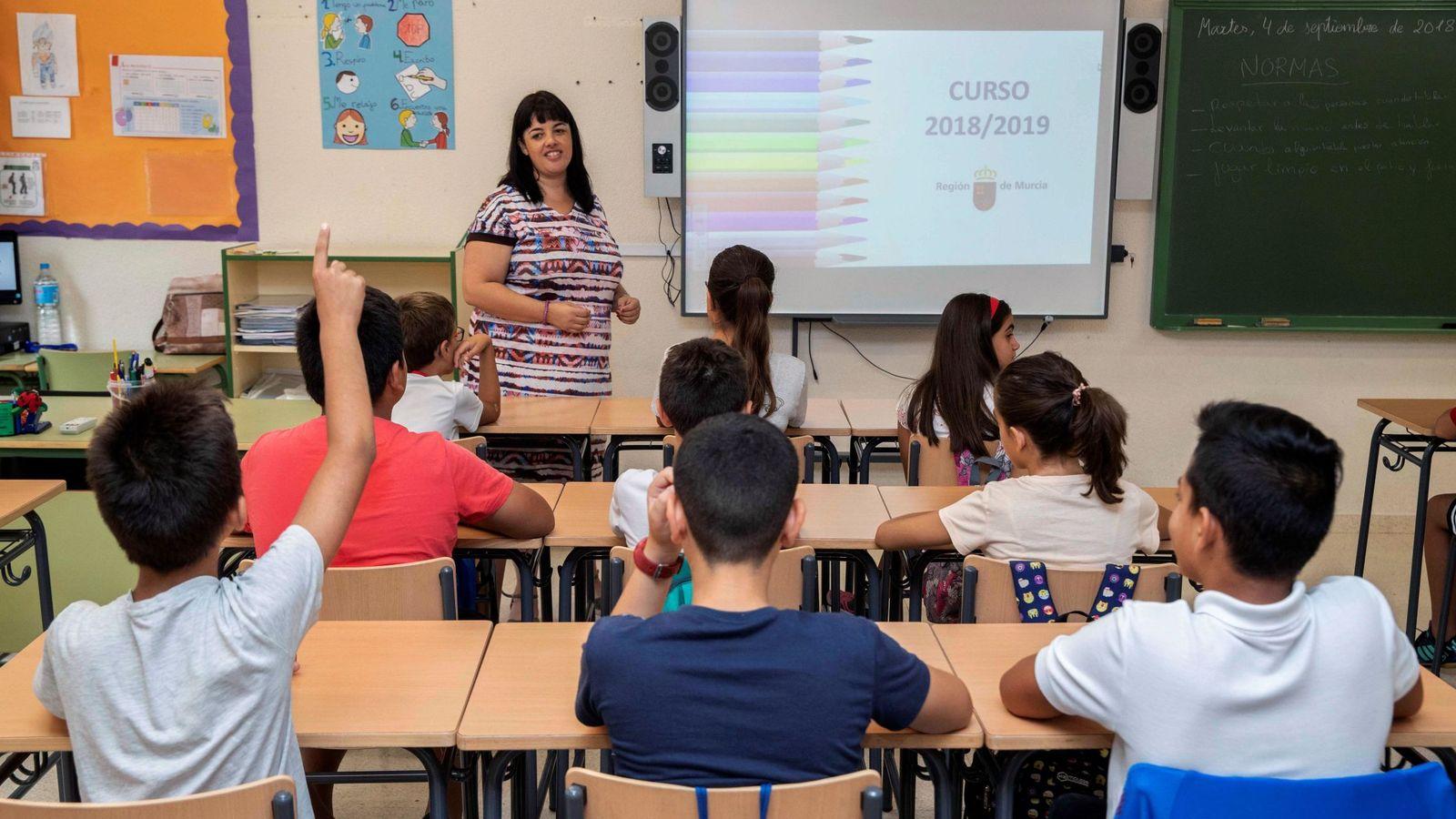 Foto: Alumnos en un colegio de Murcia. (EFE)