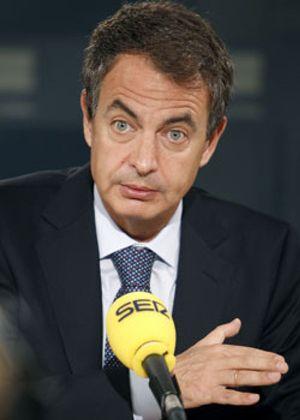 Zapatero busca cómo sacar de las listas de paro a 790.000 desocupados