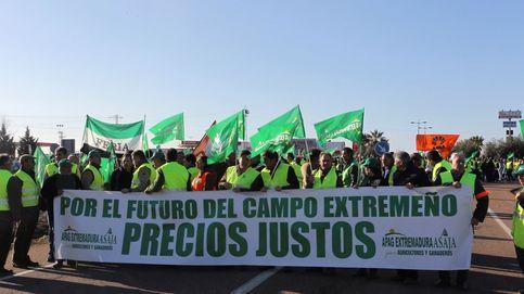 Precios justos: los agricultores extremeños comienzan a cortar las primeras carreteras