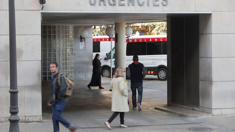 El H. Clínico de Valencia tiene inutilizada un año una máquina donada por Amancio Ortega