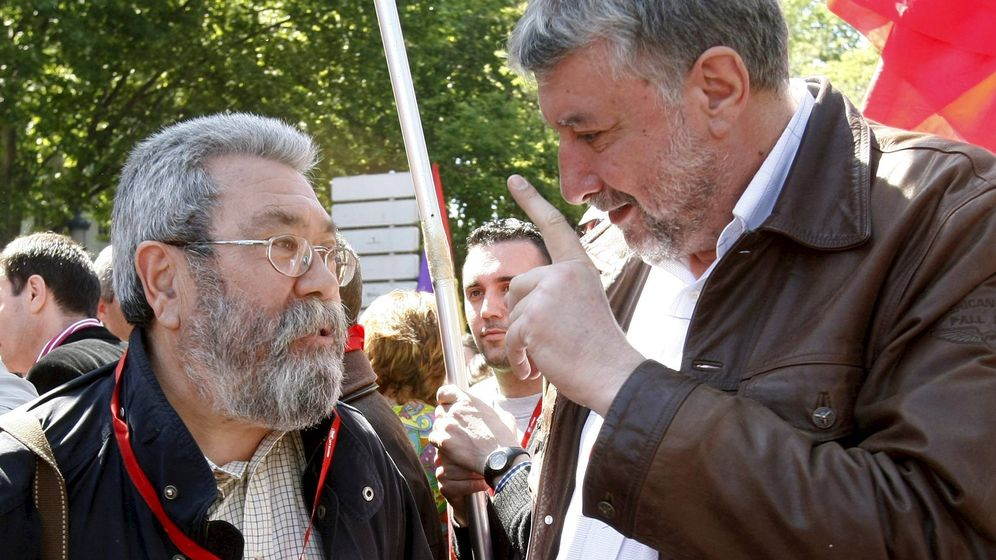 Foto: Cándido Méndez (i) y José María Fidalgo (d) en la manifestación del Primero de Mayo de 2008. (EFE)