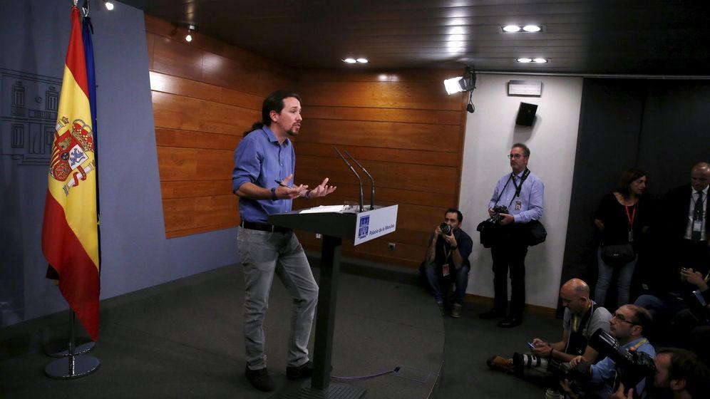 Foto: Pablo Iglesias, ayer en la Moncloa tras celebrar un encuentro con Mariano Rajoy. (EFE)