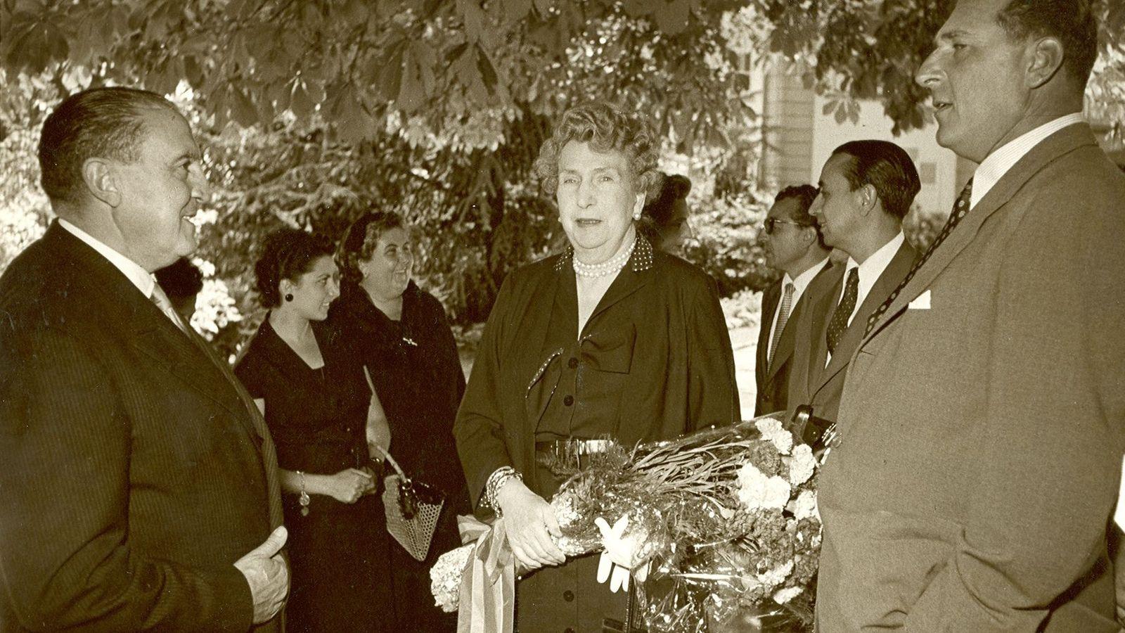 Foto: Santiago Bernabéu, con don Juan de Borbón y su madre, doña Victoria Eugenia.