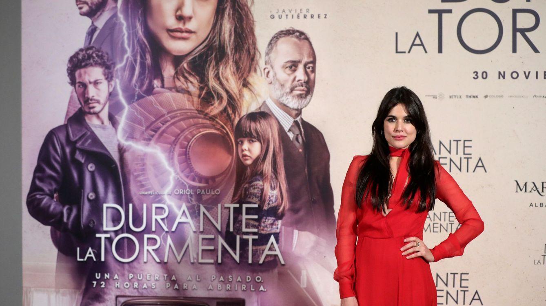 Adriana Ugarte saca sus mejores looks 'durante la tormenta'