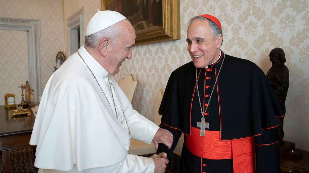 Foto: El Papa Francisco y el cardenal Daniel DiNardo, en el Vaticano. (Reuters)