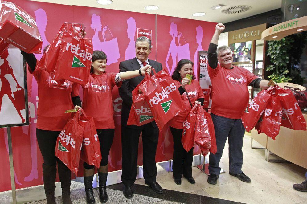Foto: Campaña de rebajas en El Corte Inglés. (EFE)