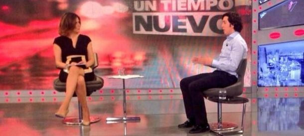 Foto: Sandra Barneda entrevistando al Pequeño Nicolás (Telecinco)