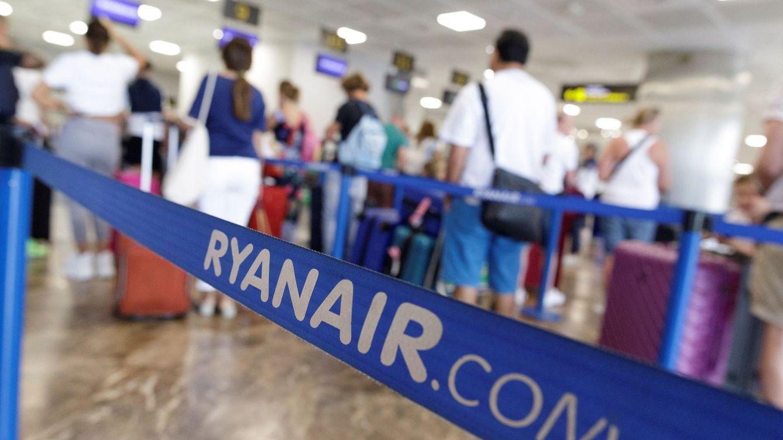 Pilotos de Ryanair denuncian amenazas y coacciones en el primer día de huelga