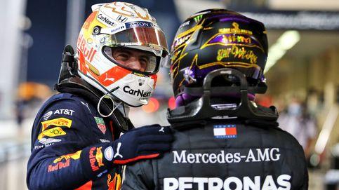 Max Verstappen tumba a Mercedes a pesar de tener una mano atascada en el volante