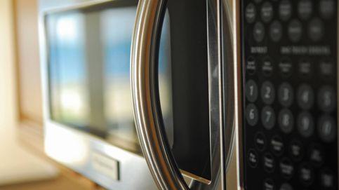 Las cosas que puedes meter en el microondas (y las que no: cuidado)