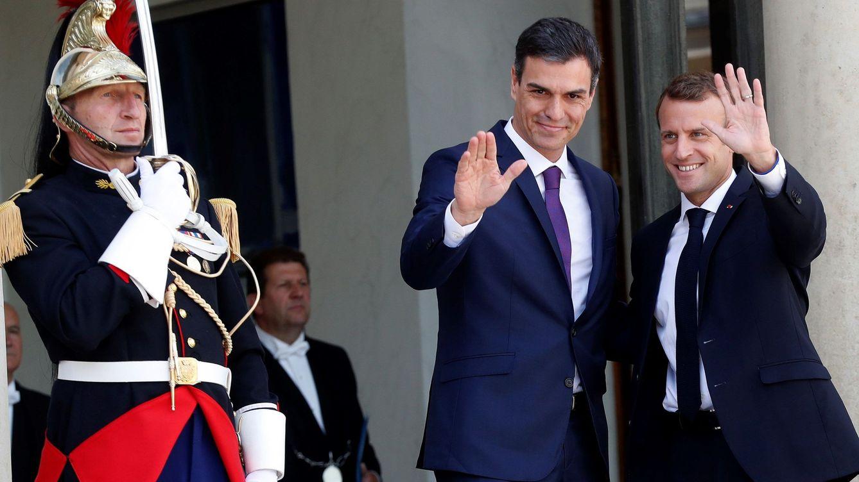 Sánchez y Macron defienden los centros de desembarco de migrantes en suelo europeo