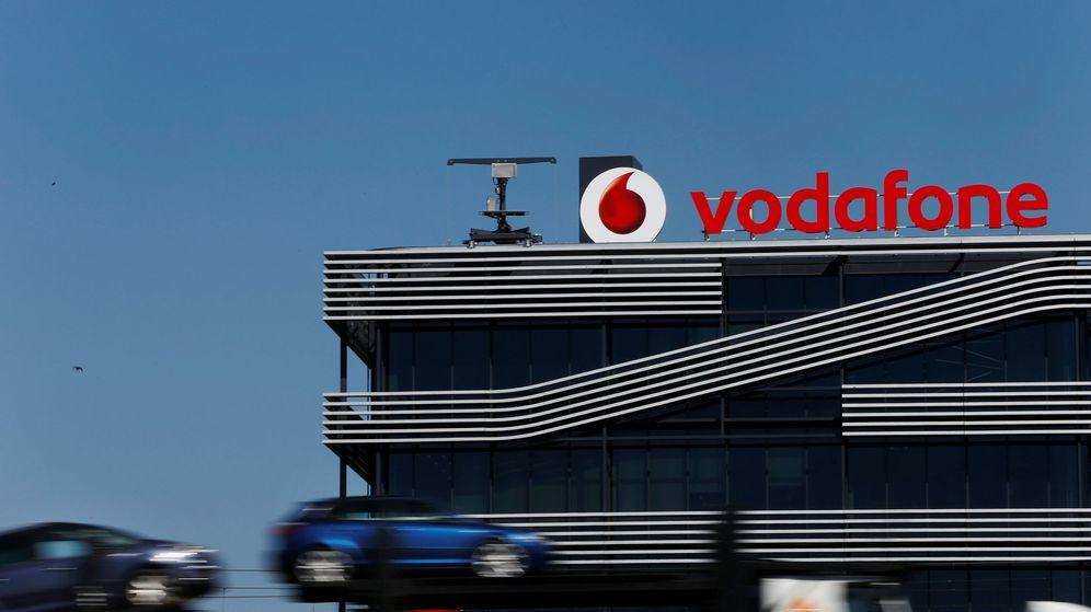 Foto: Fachada de la sede de Vodafone en Madrid. (Reuters)