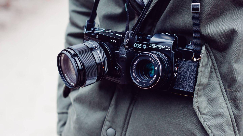 Una cámara de anterior generación o de segunda mano te puede hacer el apaño. (Freestocks.org)